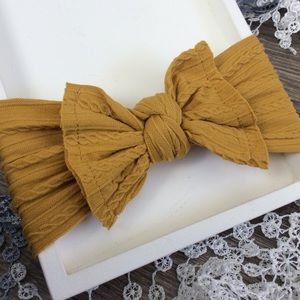 Other - Boutique Baby Girls Gold Headband